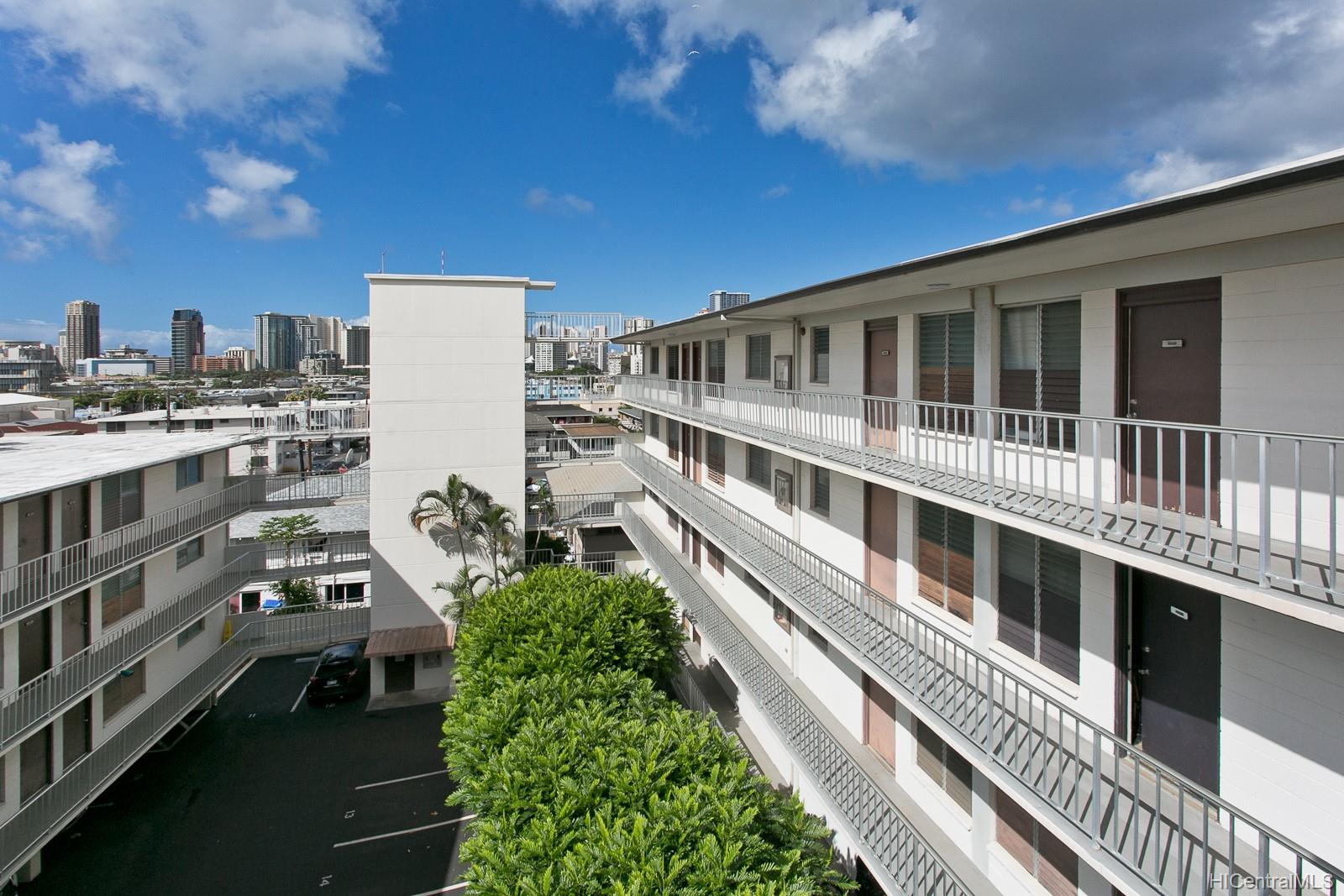 Union Plaza condo # 503B, Honolulu, Hawaii - photo 2 of 17