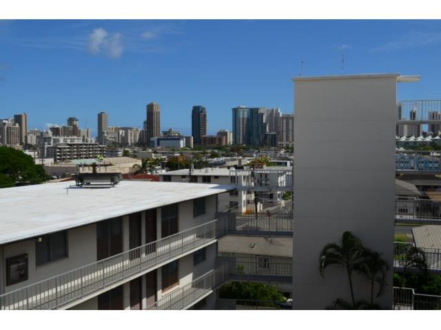 Union Plaza condo # 505B, Honolulu, Hawaii - photo 12 of 13
