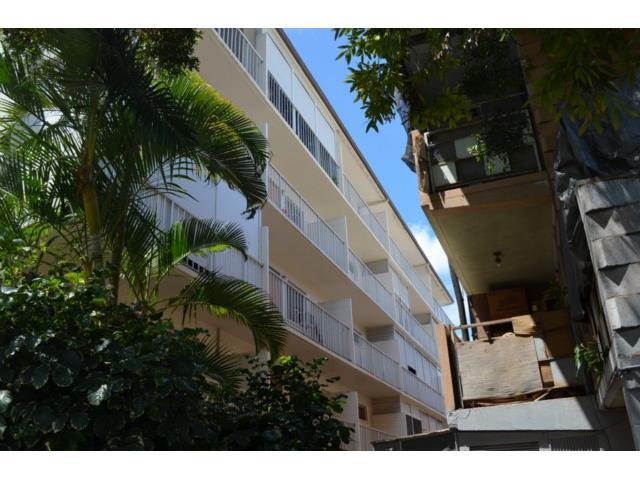 Union Plaza condo # 505B, Honolulu, Hawaii - photo 3 of 13