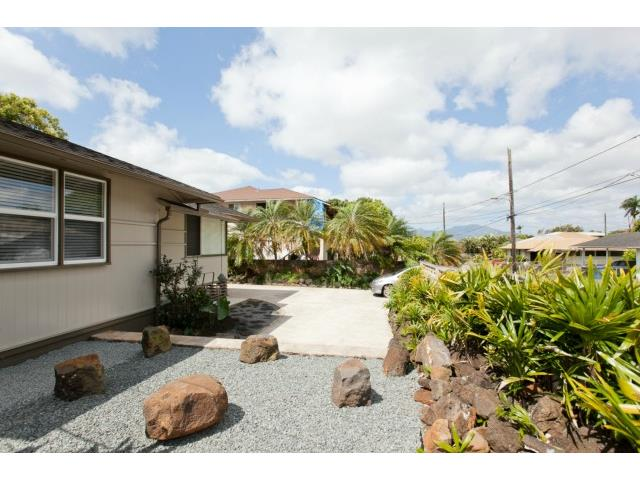 1761  Nakula St Wahiawa Heights, Central home - photo 19 of 21