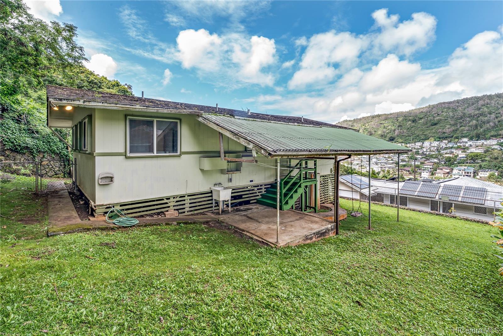 1771  Akone Pl Kalihi Valley, Honolulu home - photo 2 of 22