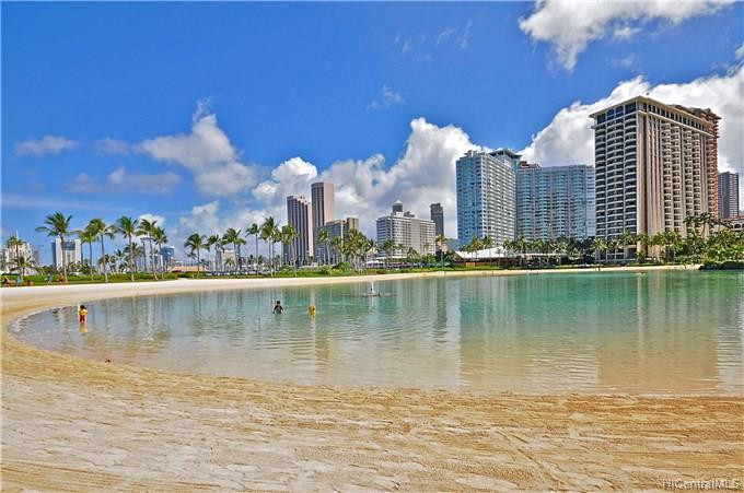 Ilikai Apt Bldg condo # 1517, Honolulu, Hawaii - photo 16 of 17