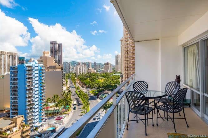 Ilikai Apt Bldg condo # 1517, Honolulu, Hawaii - photo 5 of 17