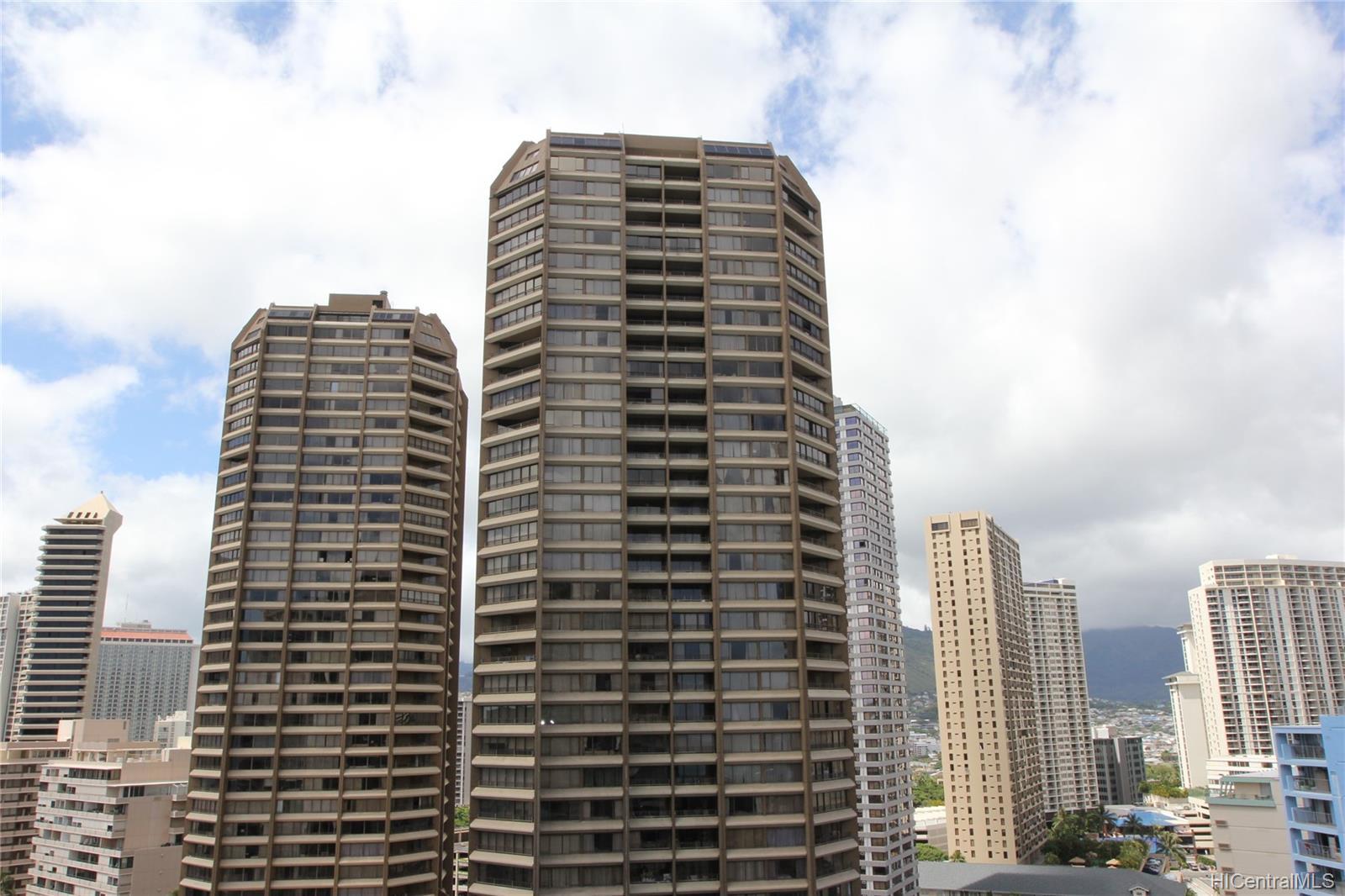 Ilikai Apt Bldg condo # 1721, Honolulu, Hawaii - photo 8 of 21