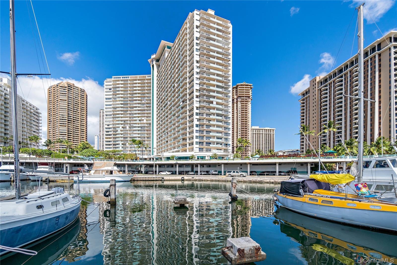 Ilikai Apt Bldg condo # 640, Honolulu, Hawaii - photo 21 of 23