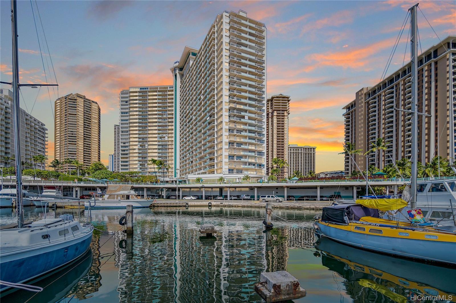 Ilikai Apt Bldg condo # 640, Honolulu, Hawaii - photo 22 of 23