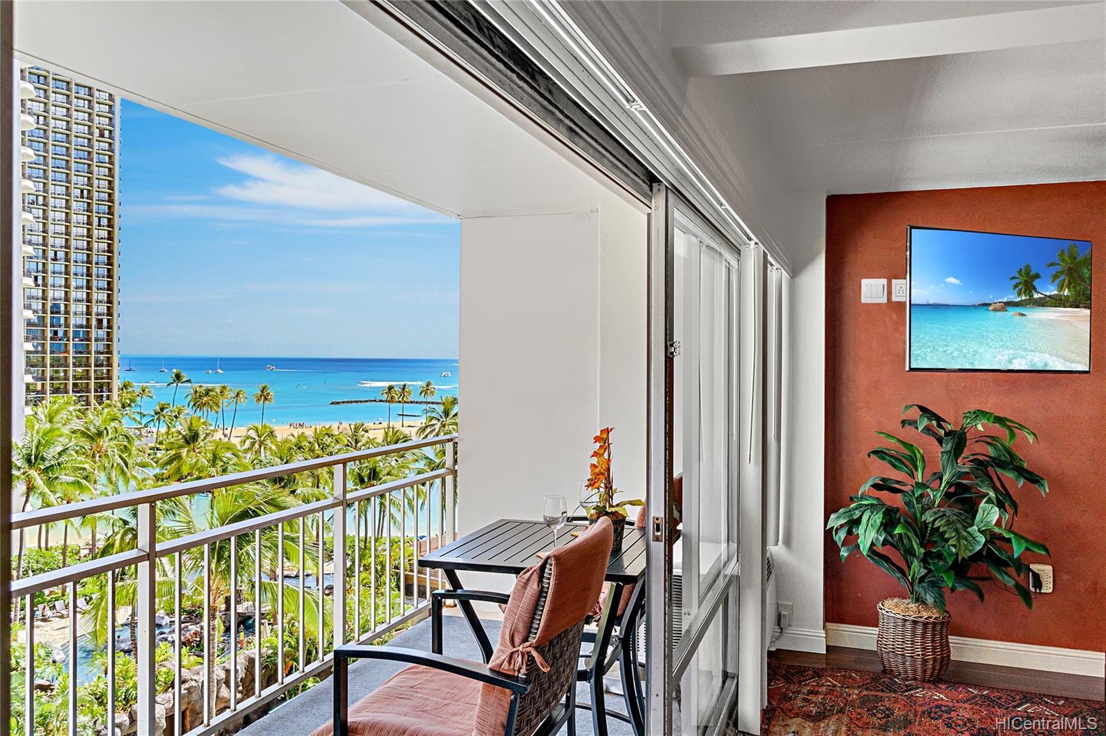 Ilikai Apt Bldg condo # 640, Honolulu, Hawaii - photo 4 of 23