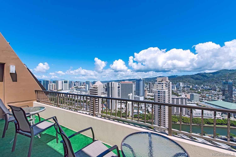 Discovery Bay condo # PH3, Honolulu, Hawaii - photo 19 of 21