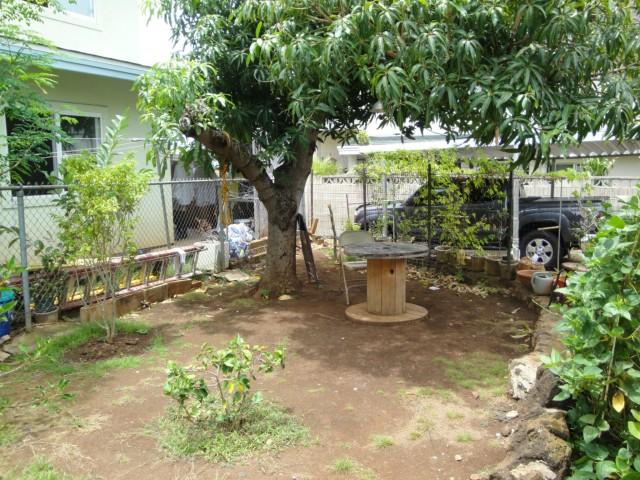 1805  Fernandez St Kalihi-lower, Honolulu home - photo 12 of 17