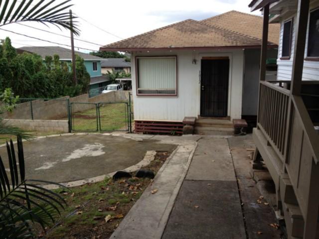 1812  Aupuni St Kam Heights, Honolulu home - photo 0 of 6