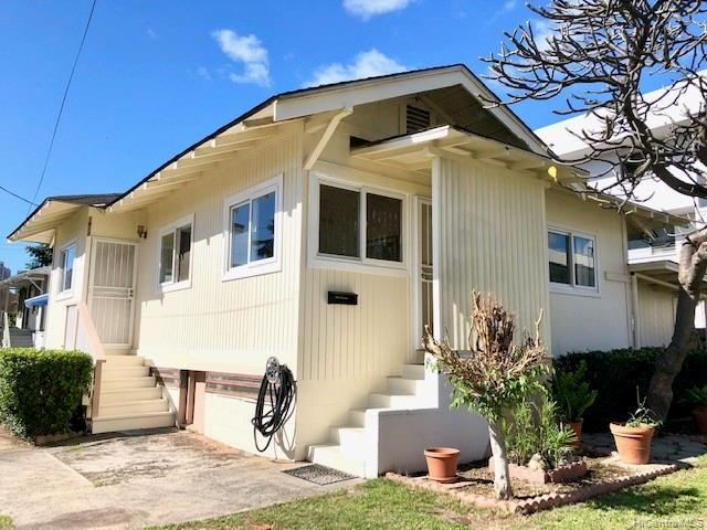 1813  Waiola Street Mccully, Honolulu home - photo 1 of 13