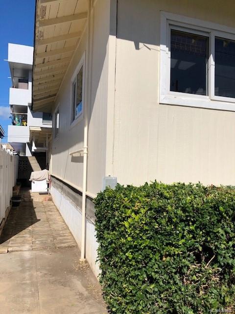 1813  Waiola Street Mccully, Honolulu home - photo 12 of 13