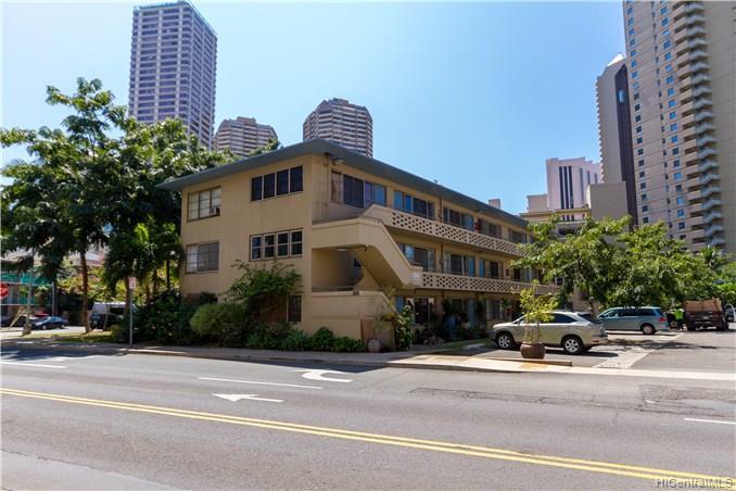 Hawaiiana Gardens condo # 201, Honolulu, Hawaii - photo 1 of 12