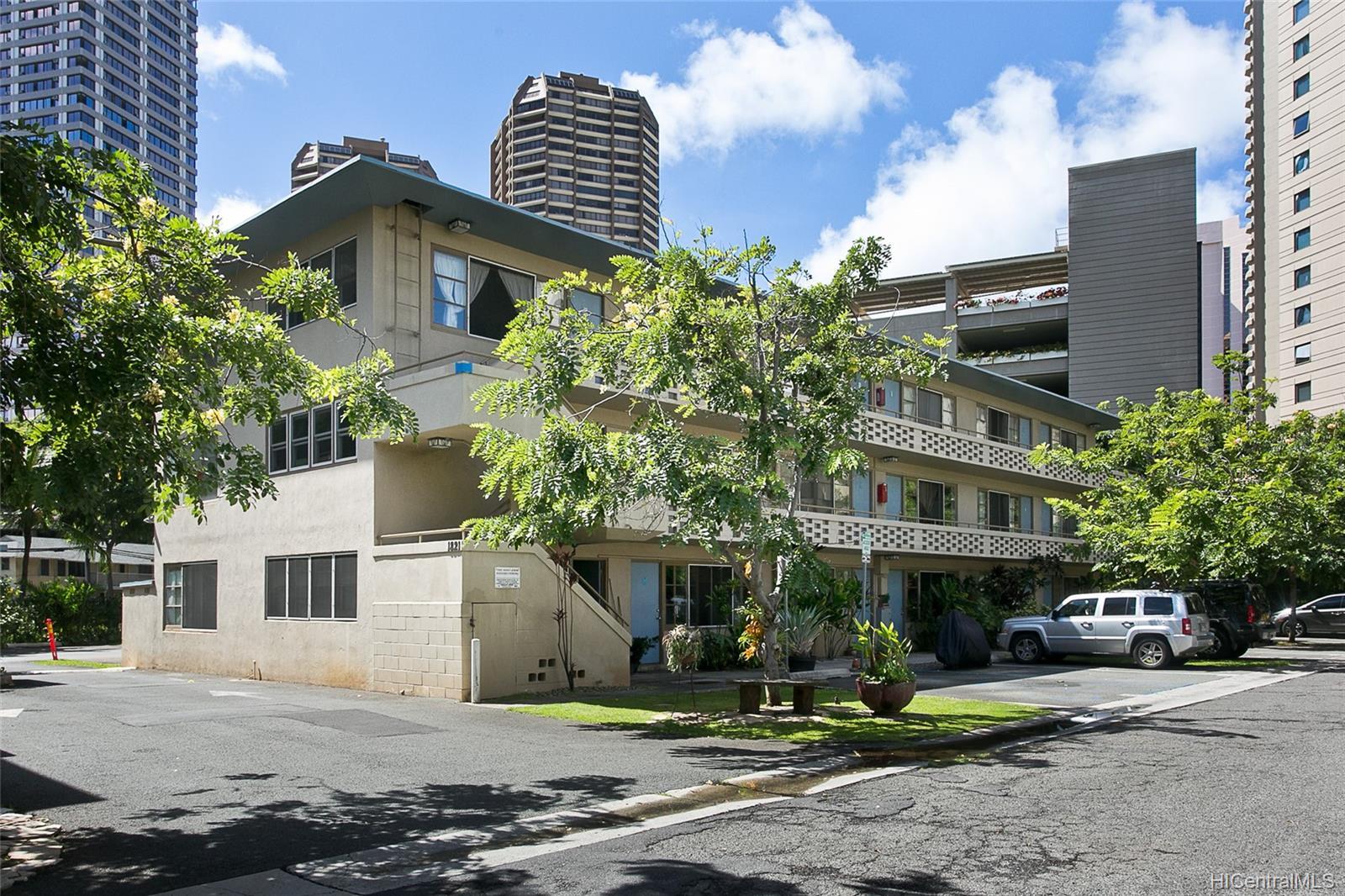 Hawaiiana Gardens condo # 204, Honolulu, Hawaii - photo 9 of 10