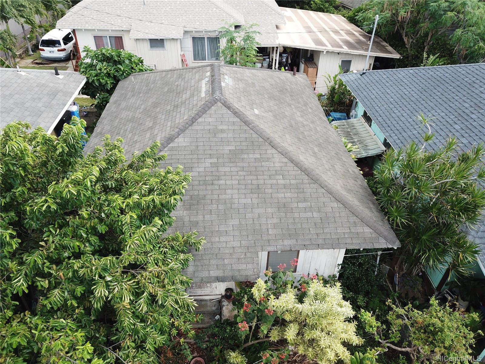1833  Akina Street Kapalama, Honolulu home - photo 2 of 7
