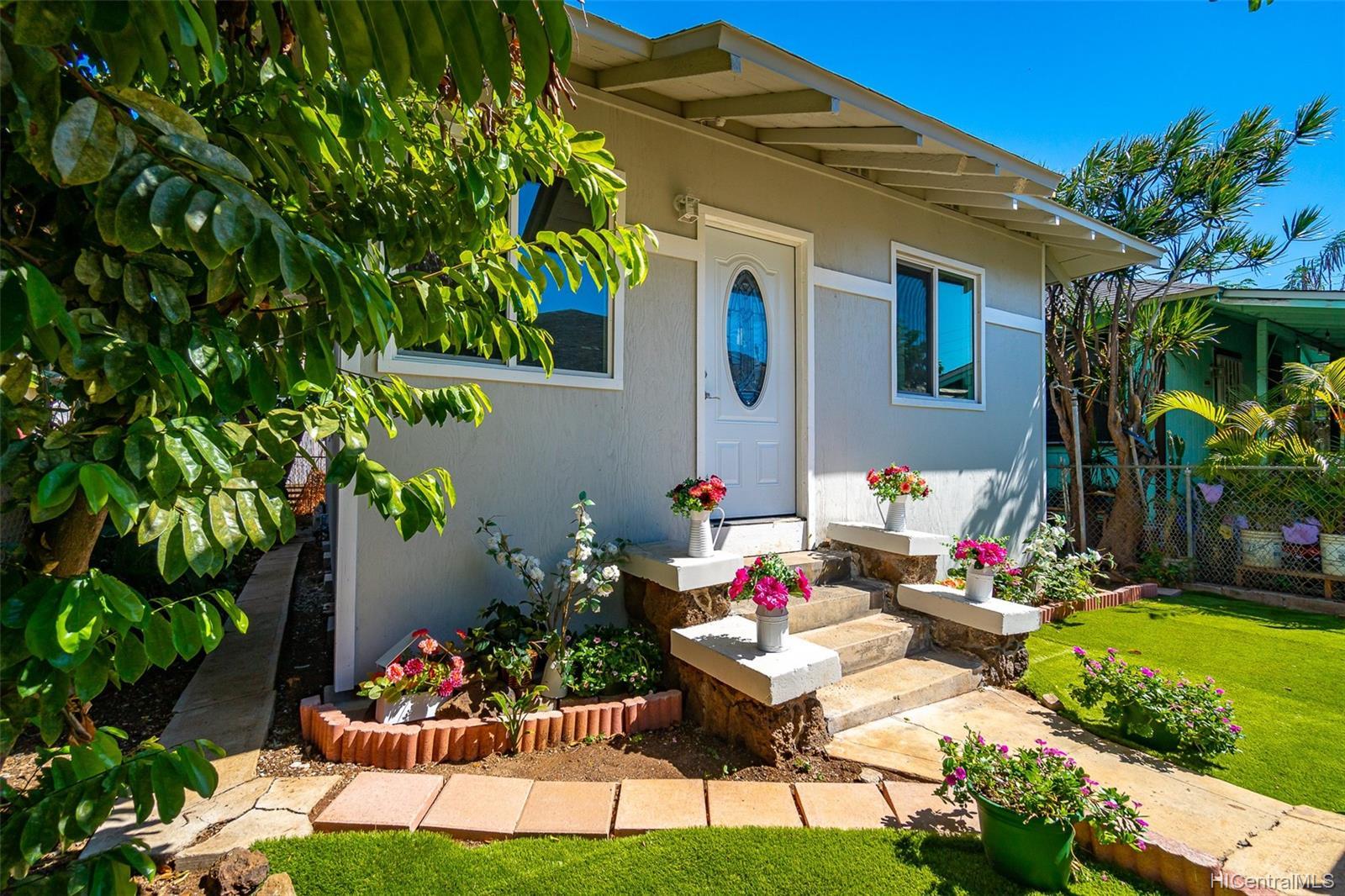 1833-A  Akina Street Kapalama, Honolulu home - photo 1 of 17
