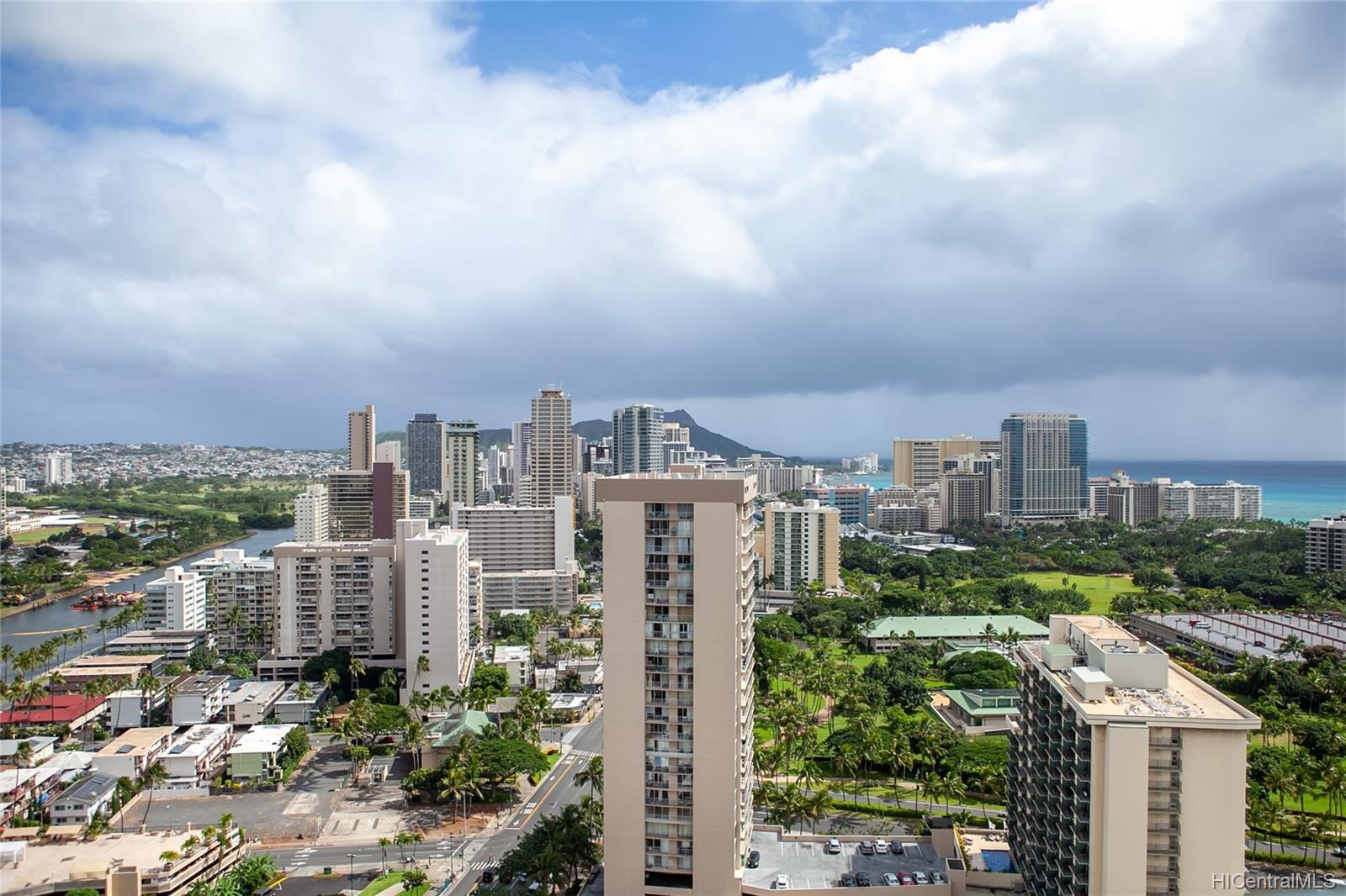 Allure Waikiki condo # 3001, Honolulu, Hawaii - photo 15 of 23