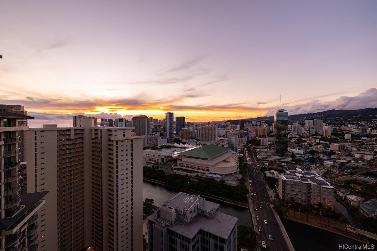 Allure Waikiki condo # 3105, Honolulu, Hawaii - photo 21 of 25