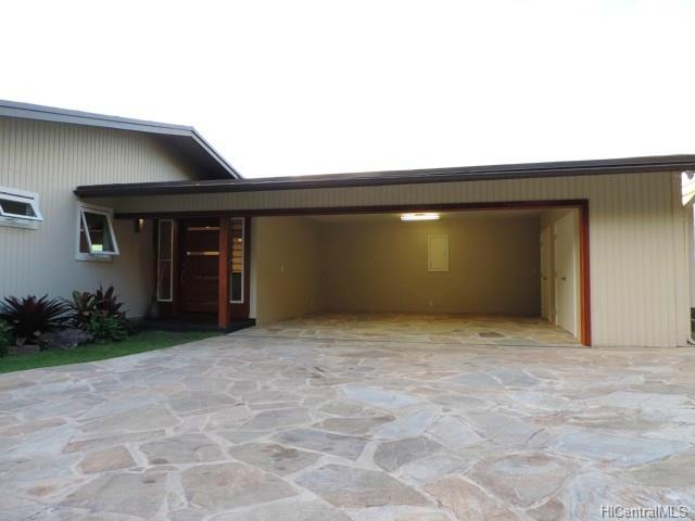 185  Polihale Pl Triangle, Hawaii Kai home - photo 21 of 25