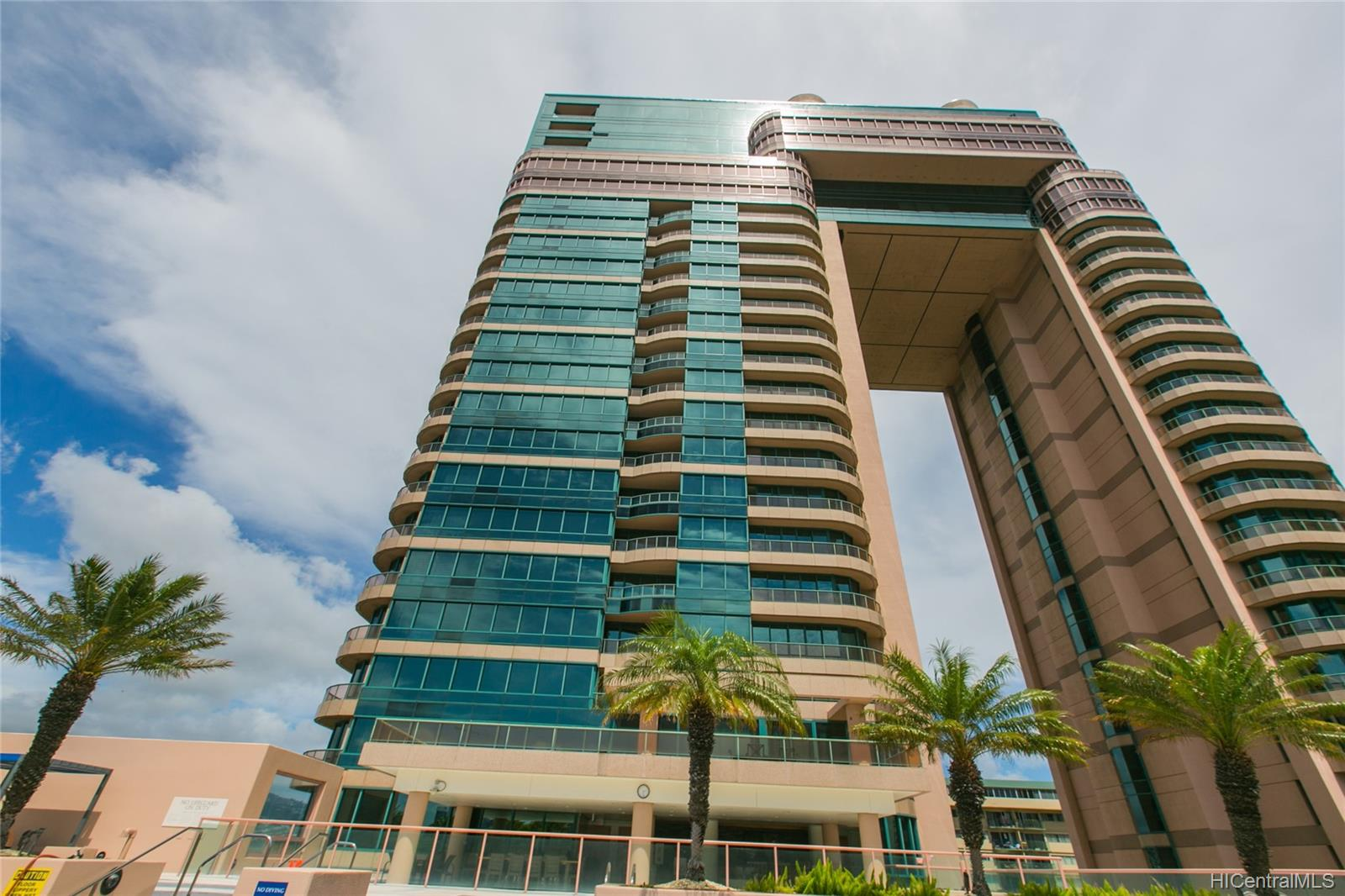 Waikiki Landmark condo # 1401, Honolulu, Hawaii - photo 2 of 25