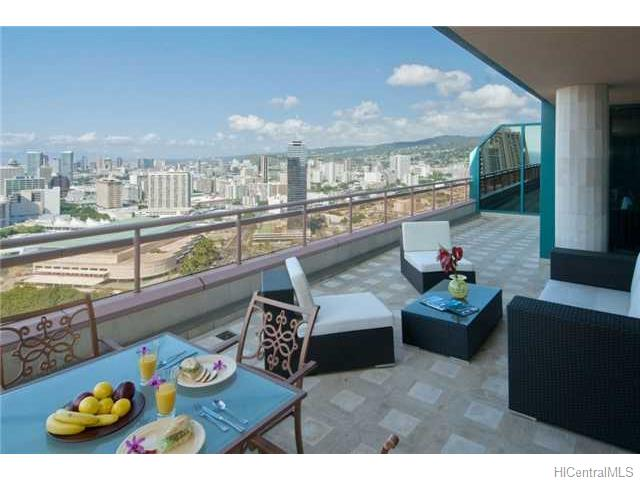 Waikiki Landmark condo #PH/3703, Honolulu, Hawaii - photo 1 of 8