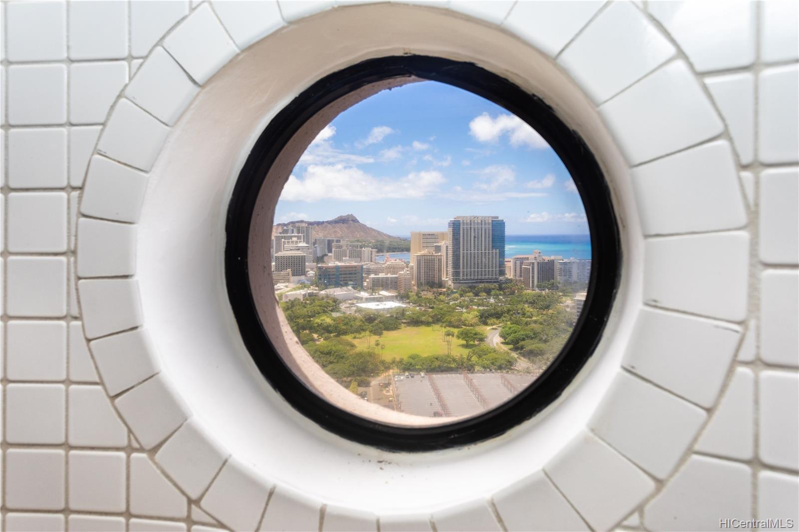 Canterbury Pl condo # 35B, Honolulu, Hawaii - photo 18 of 25