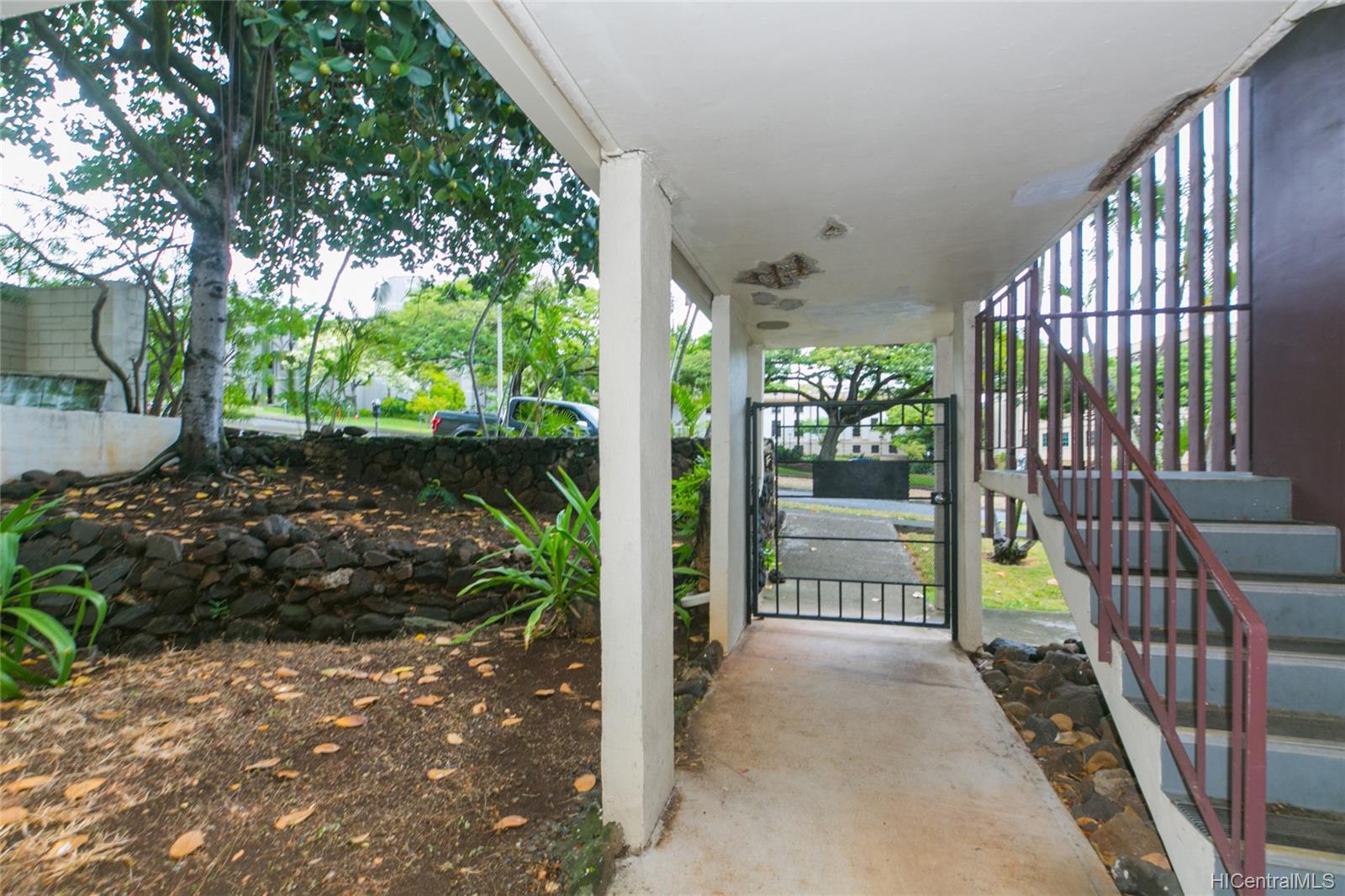 University Court Apts condo # 102, Honolulu, Hawaii - photo 22 of 25