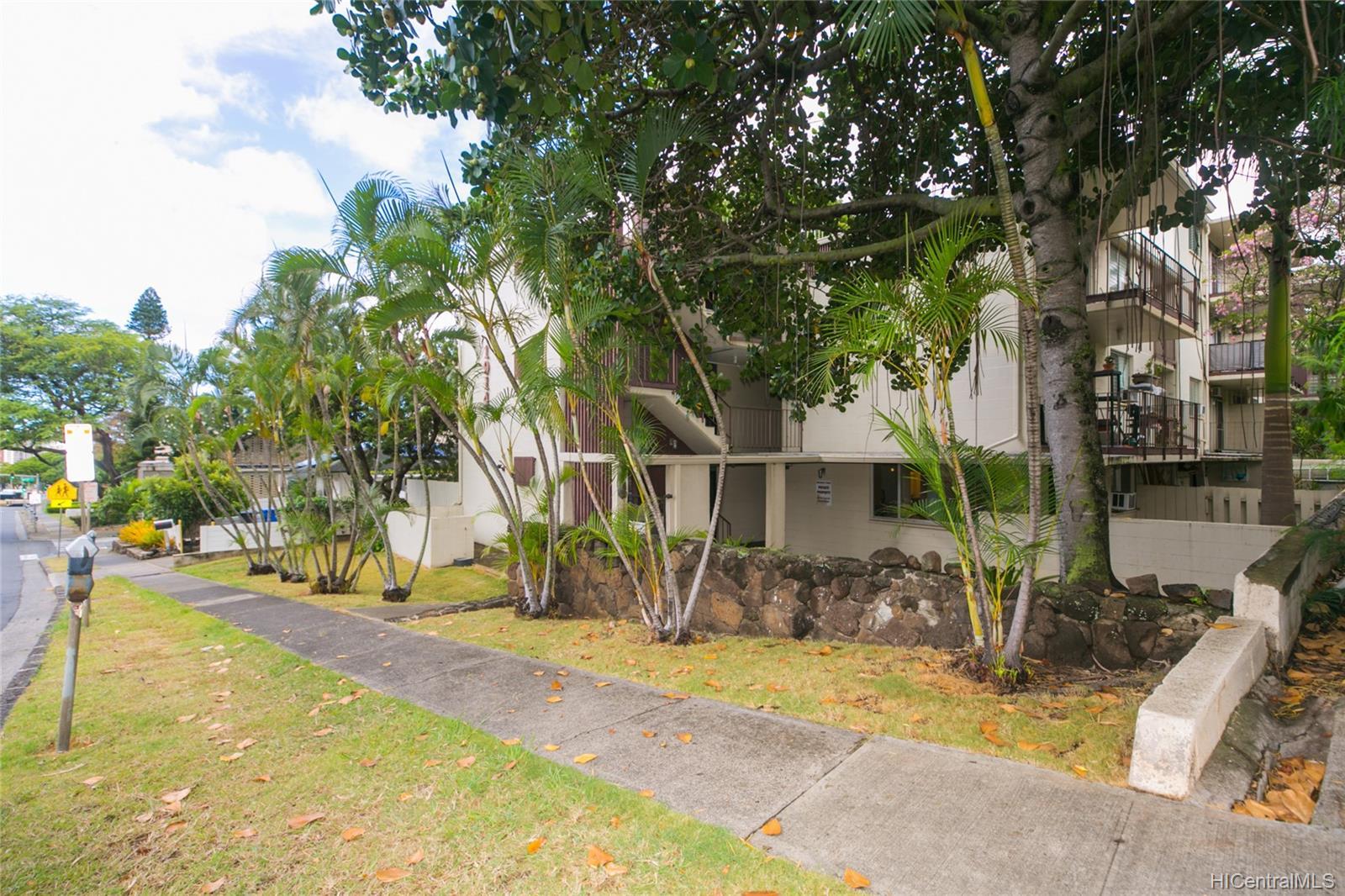 University Court Apts condo # 102, Honolulu, Hawaii - photo 23 of 25