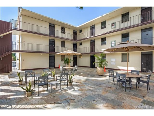 University Court Apts condo # 211, Honolulu, Hawaii - photo 13 of 17