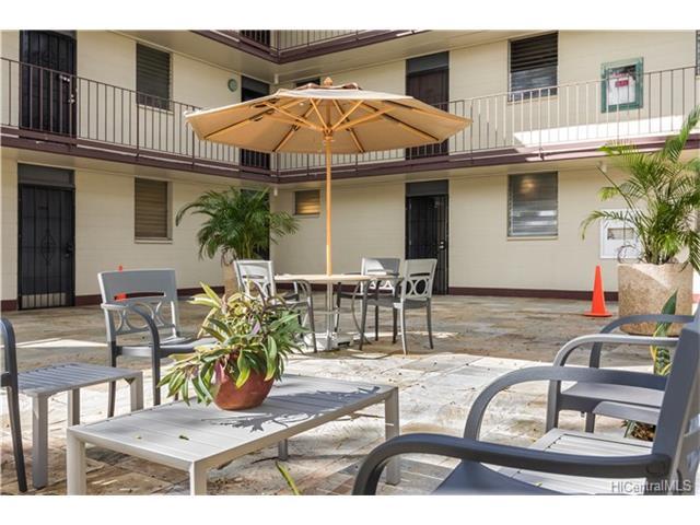 University Court Apts condo # 211, Honolulu, Hawaii - photo 14 of 17