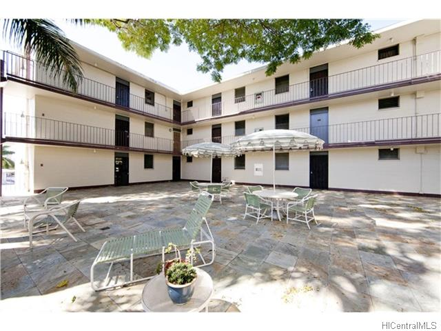 University Court Apts condo # 213, Honolulu, Hawaii - photo 1 of 6