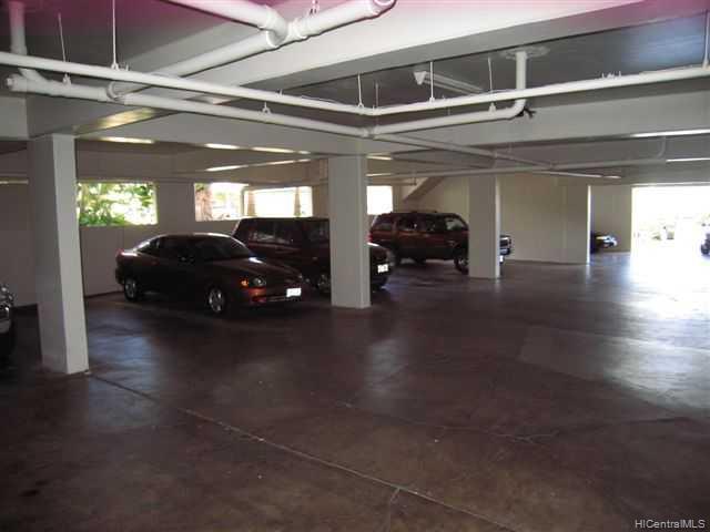 University Court Apts condo # 305, Honolulu, Hawaii - photo 4 of 10