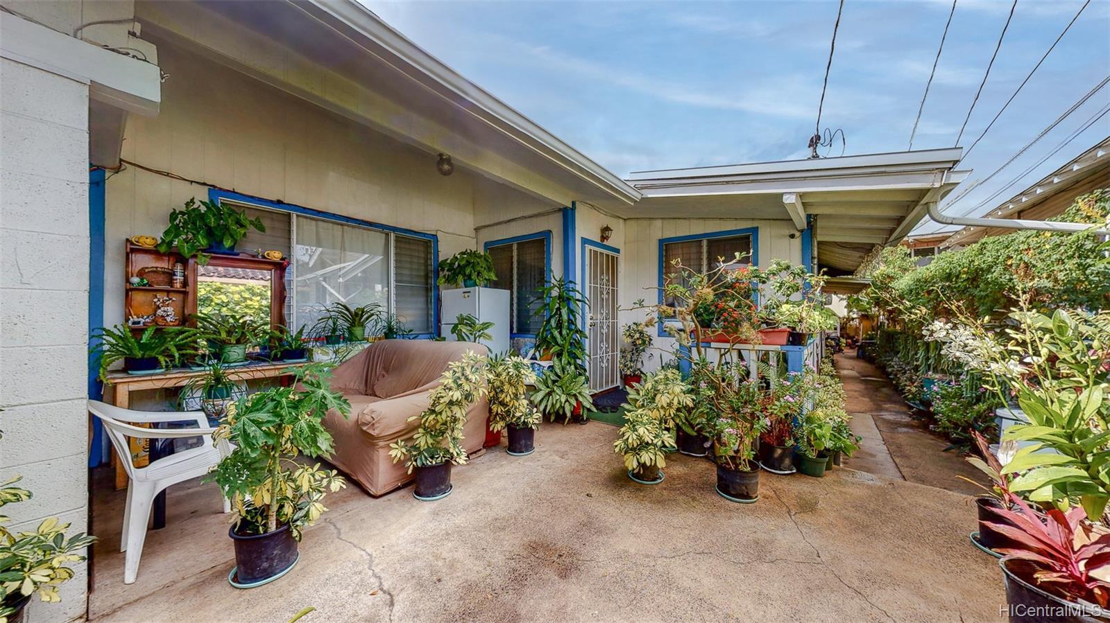 2003  Stanley Street Kapalama, Honolulu home - photo 3 of 21