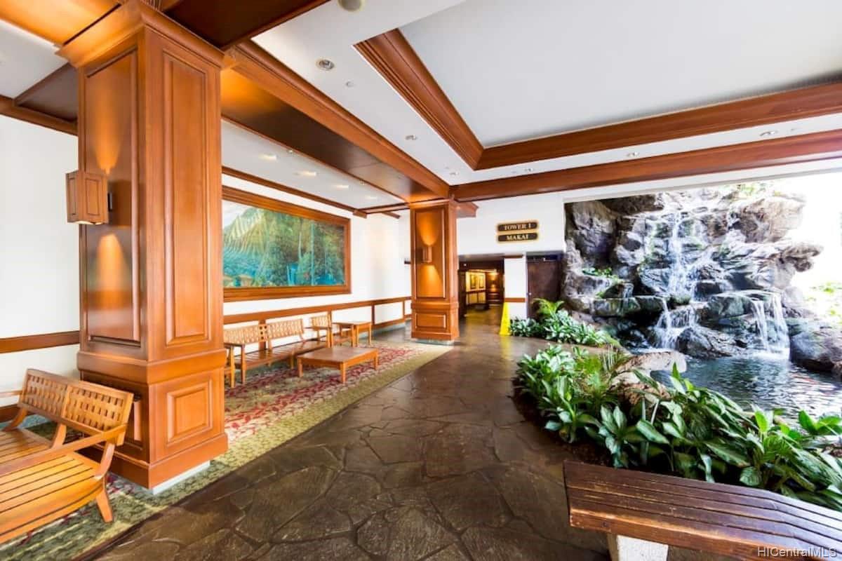 Waikiki Banyan condo # 1614, Honolulu, Hawaii - photo 20 of 20