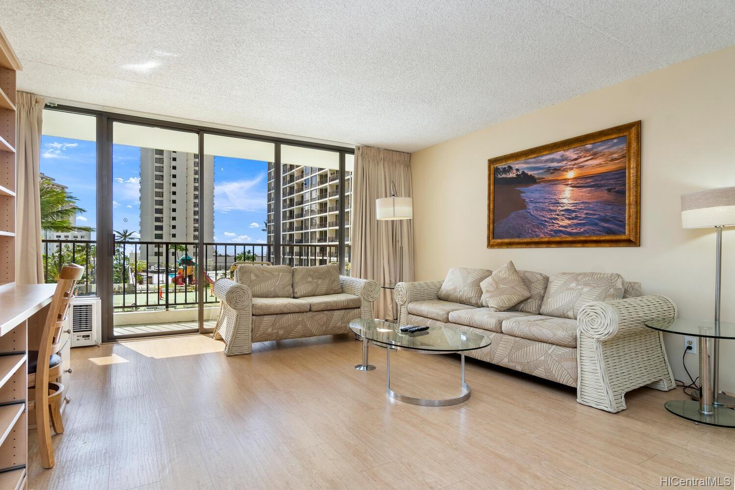 Waikiki Banyan condo # 714, Honolulu, Hawaii - photo 3 of 20
