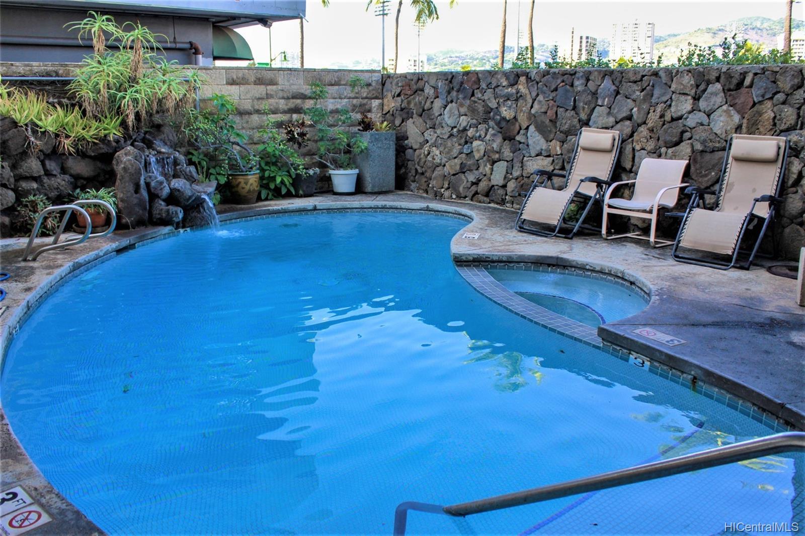 2015 Ala Wai Blvd Honolulu - Rental - photo 18 of 25