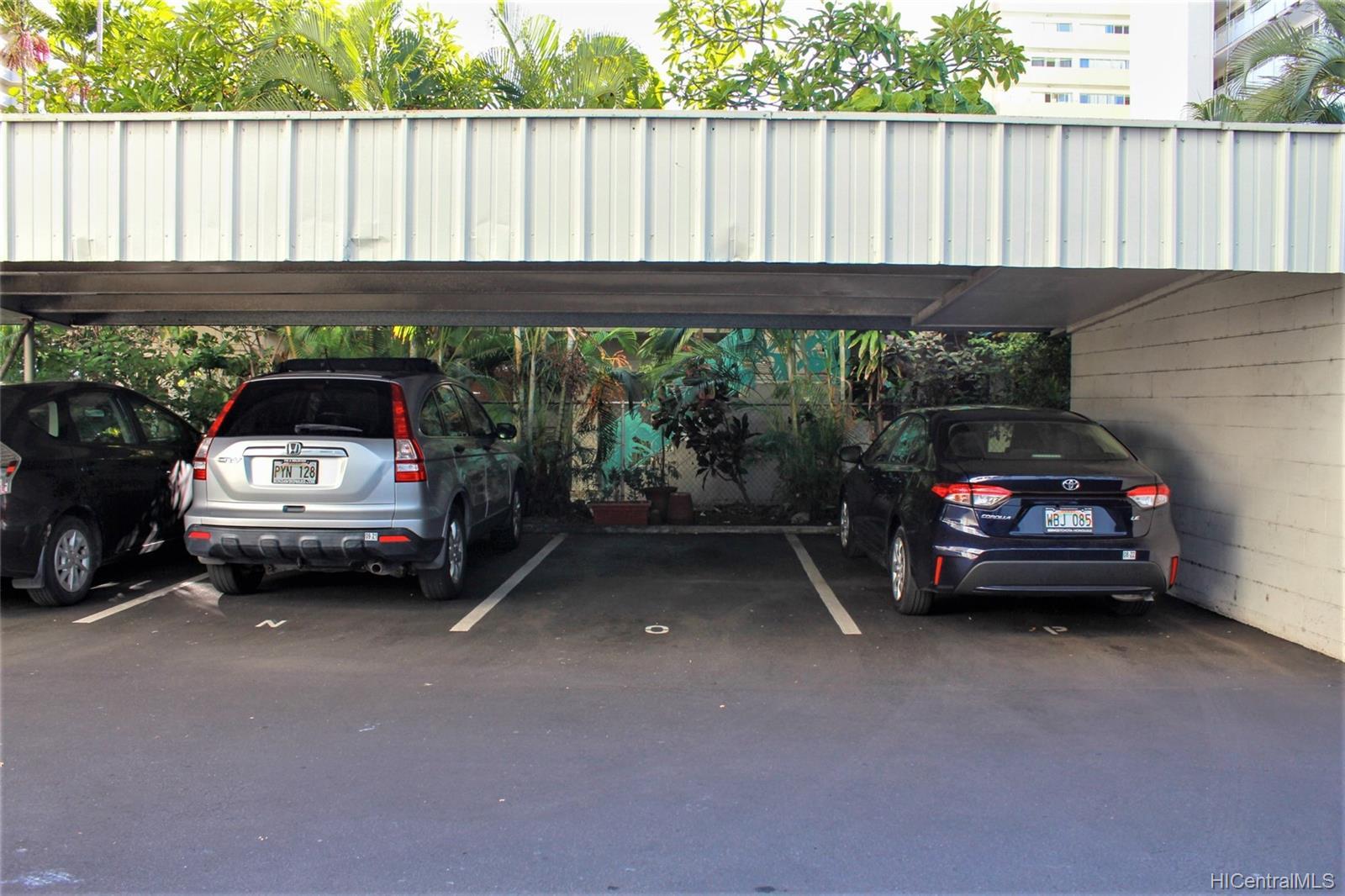 2015 Ala Wai Blvd Honolulu - Rental - photo 21 of 25