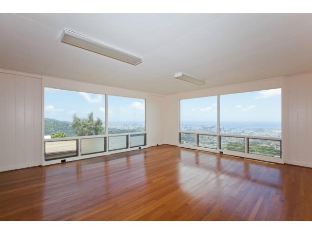 2015 Kilakila Dr Alewa Heights, Honolulu home - photo 1 of 22