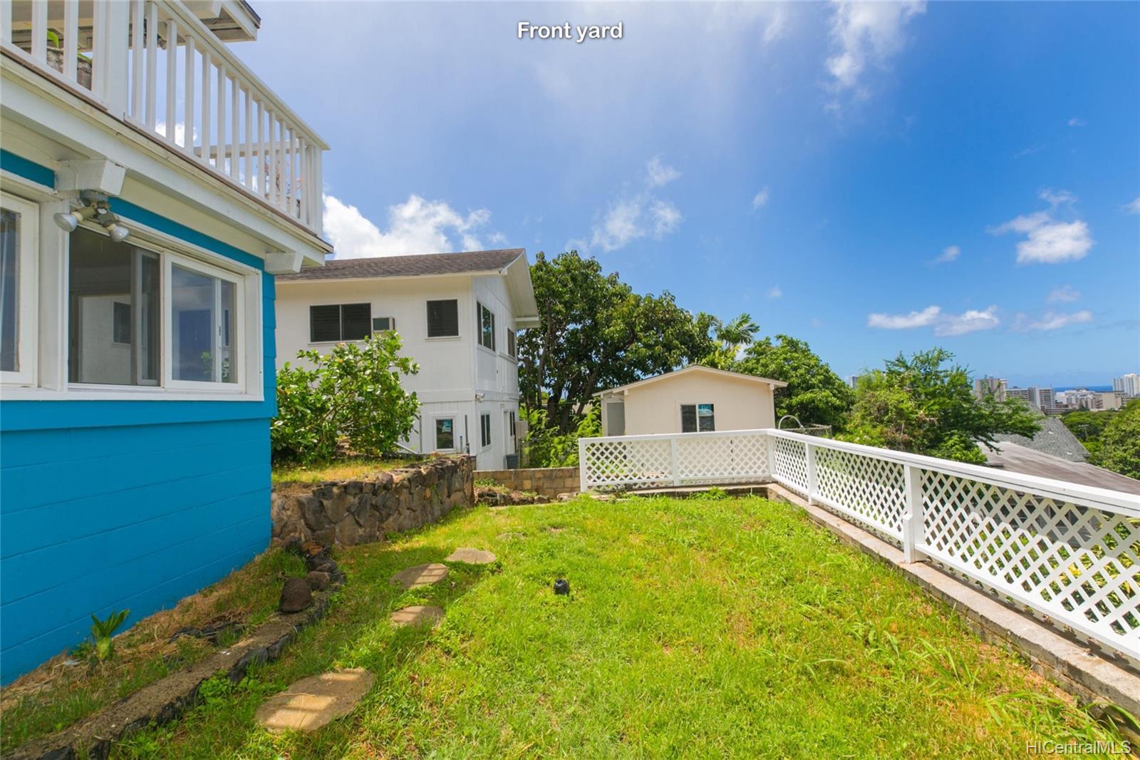 2015B  Round Top Drive Makiki Heights, Honolulu home - photo 2 of 25