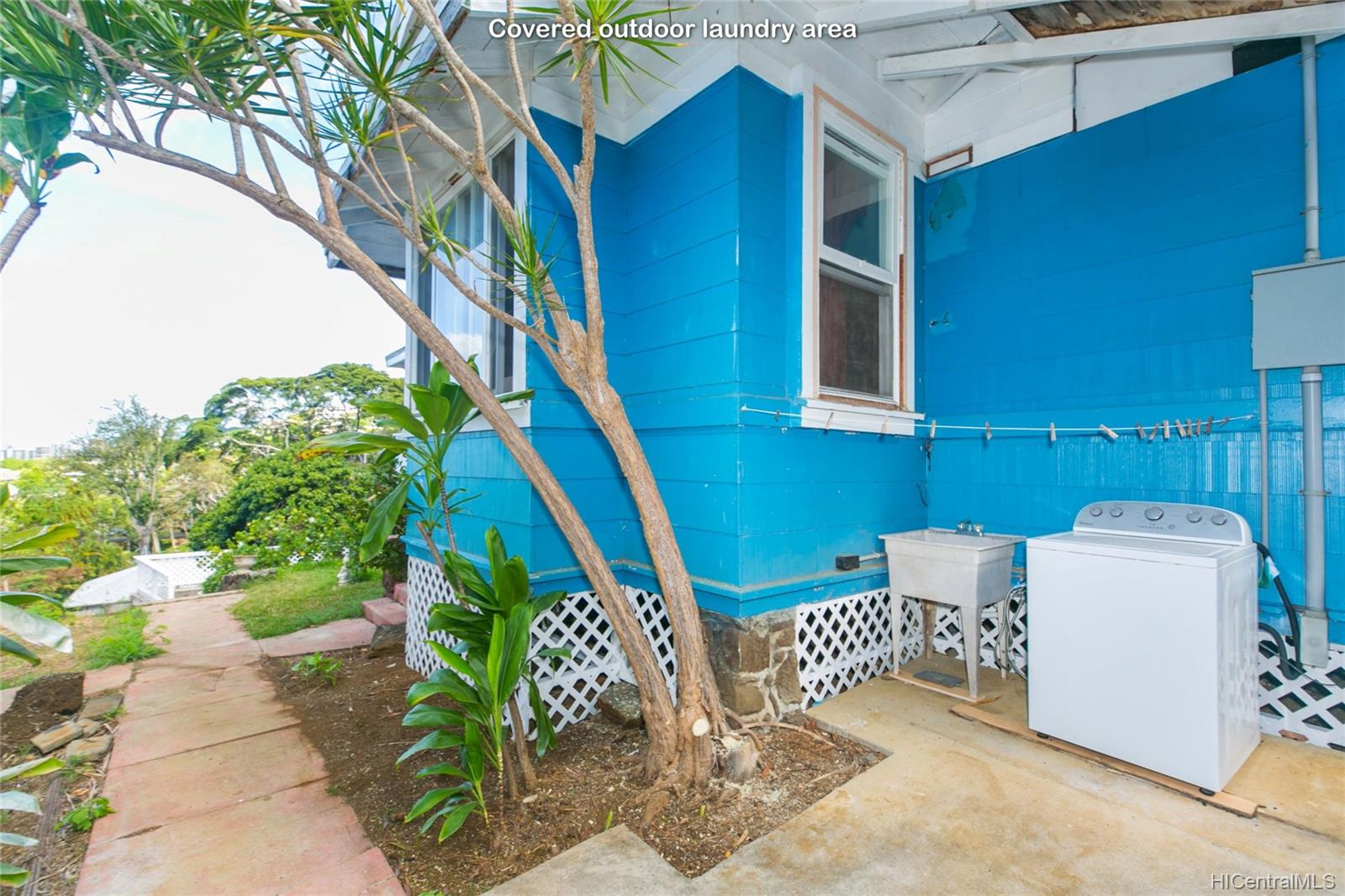 2015B  Round Top Drive Makiki Heights, Honolulu home - photo 20 of 25