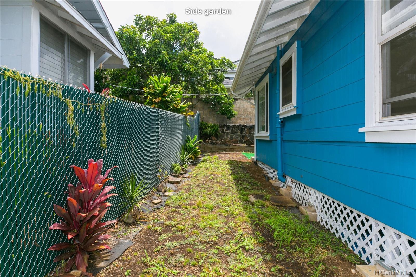 2015B  Round Top Drive Makiki Heights, Honolulu home - photo 21 of 25