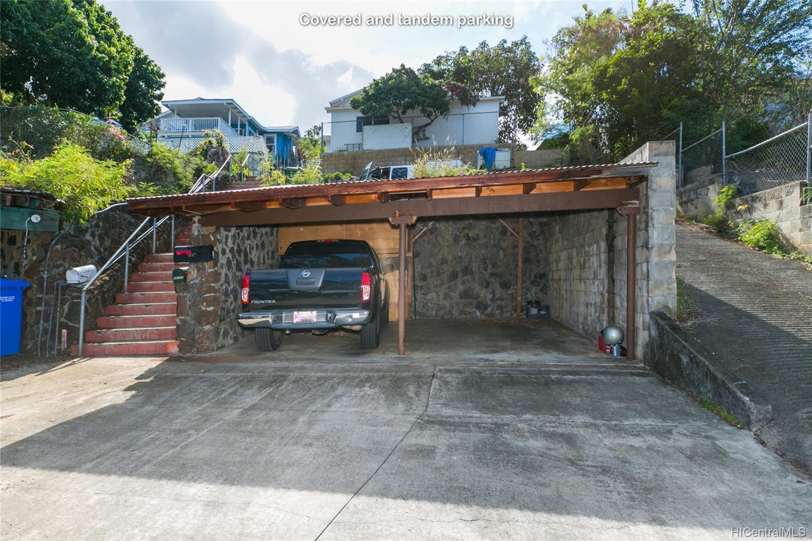 2015B  Round Top Drive Makiki Heights, Honolulu home - photo 23 of 25