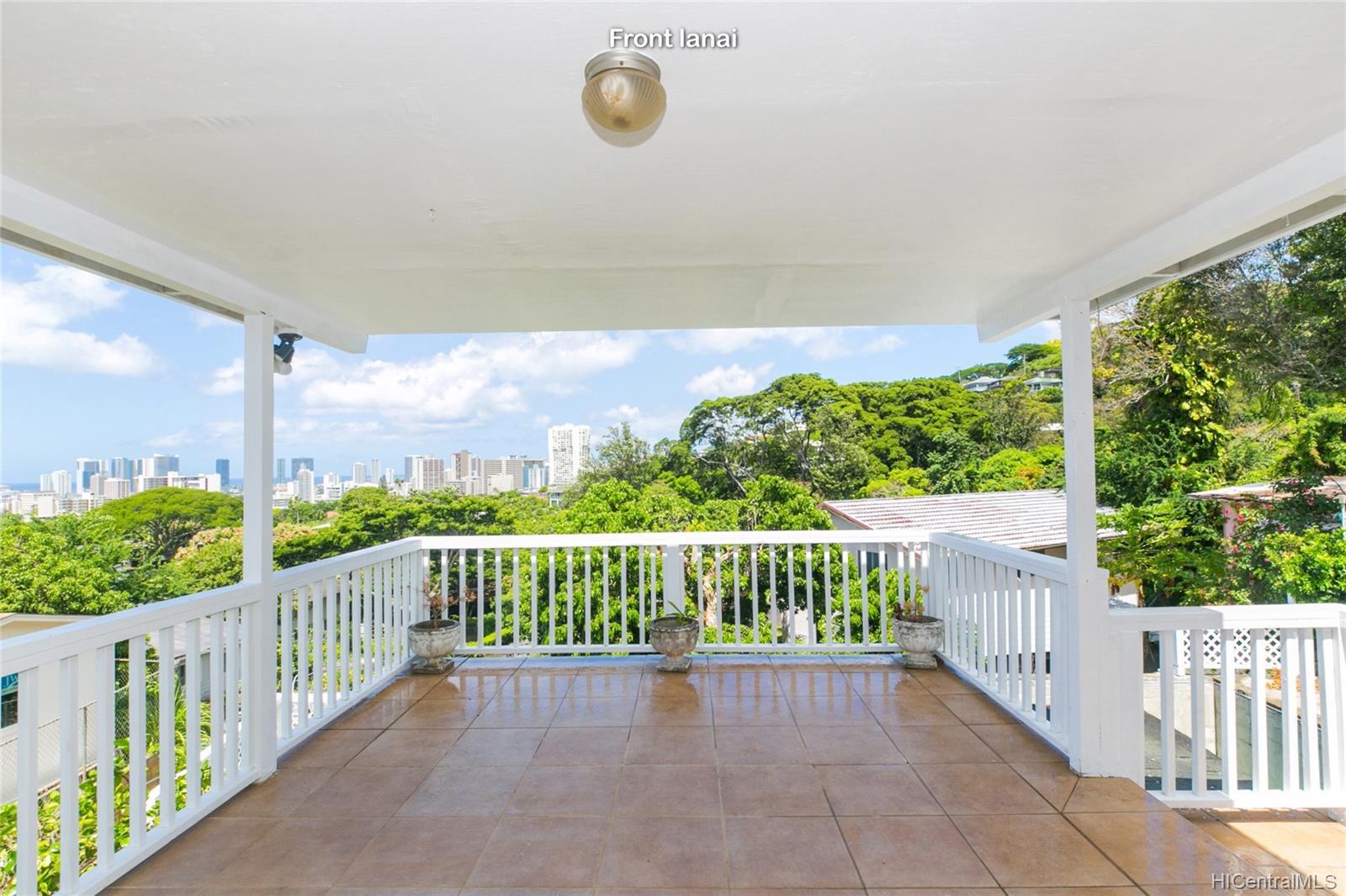 2015B  Round Top Drive Makiki Heights, Honolulu home - photo 5 of 25