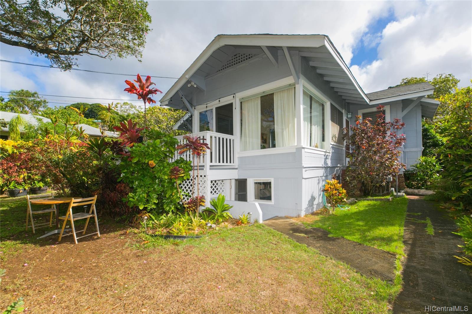 2015C  Round Top Drive Makiki Heights, Honolulu home - photo 1 of 15