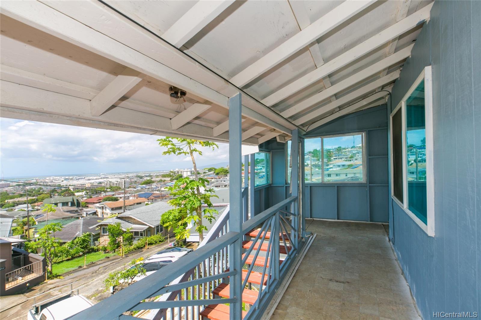 2017  Iholena Street Alewa Heights, Honolulu home - photo 1 of 17