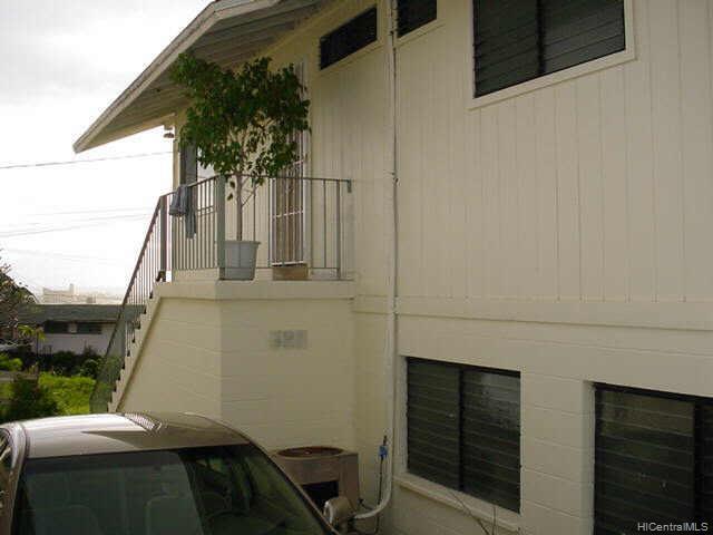 2018  Iholena St Kamehameha Heights, Honolulu home - photo 5 of 8