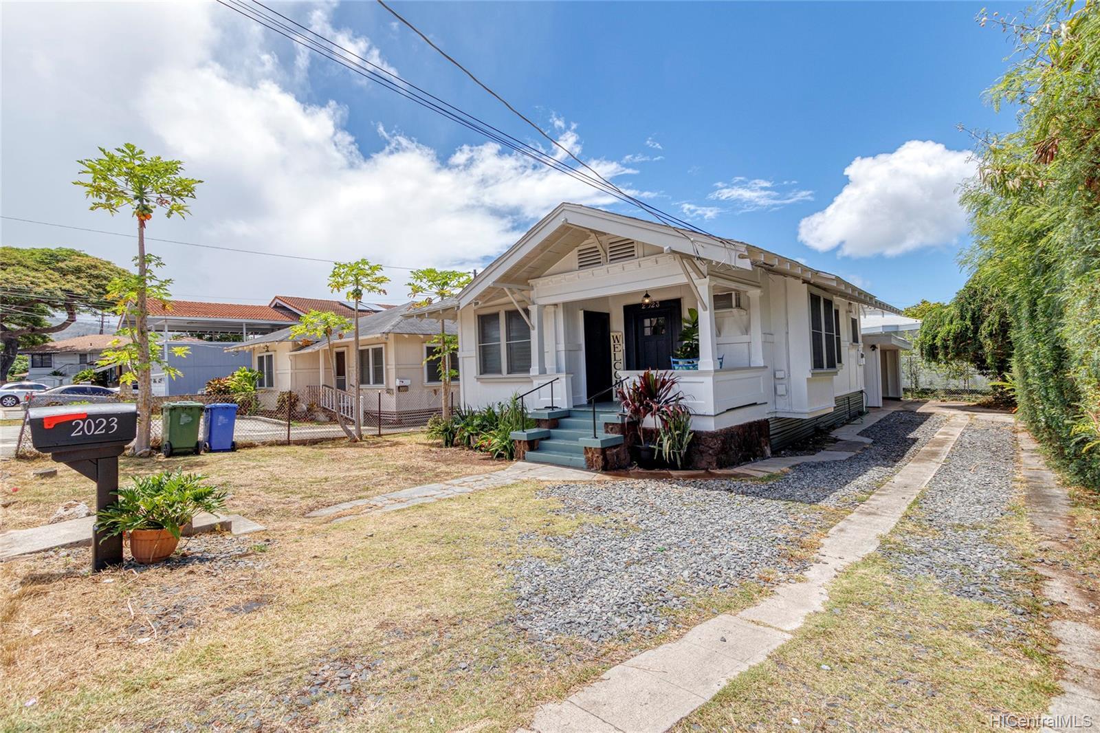 2023  Metcalf Street Moiliili, Honolulu home - photo 3 of 25