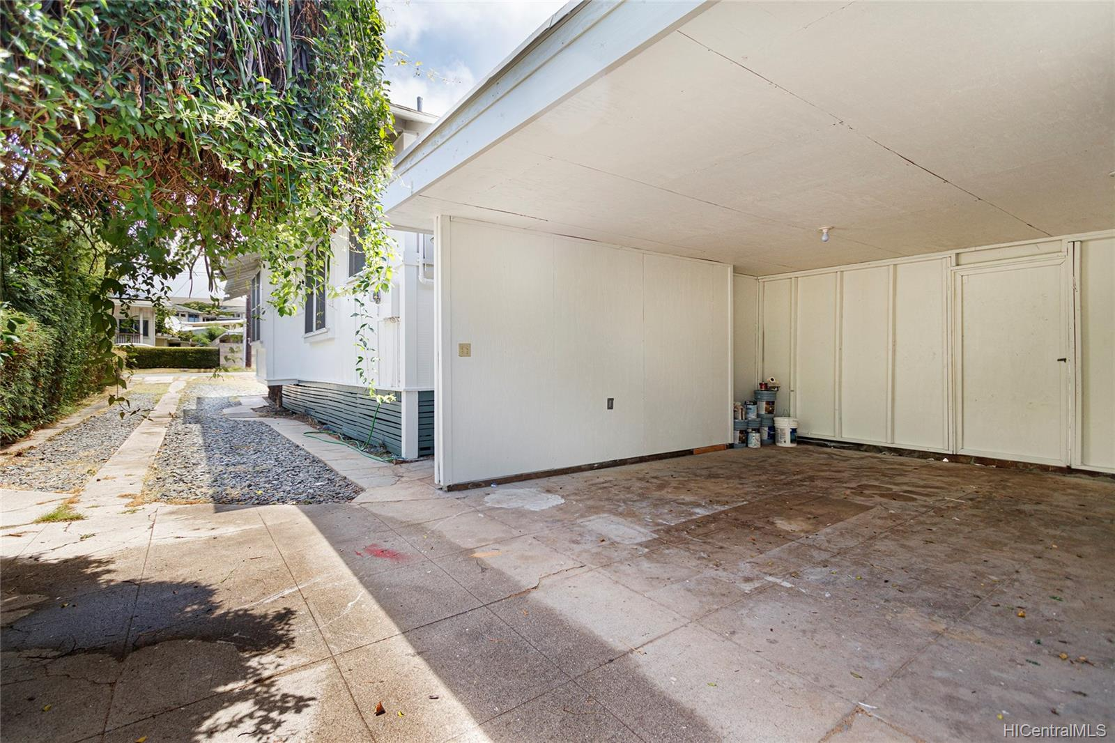 2023  Metcalf Street Moiliili, Honolulu home - photo 23 of 25