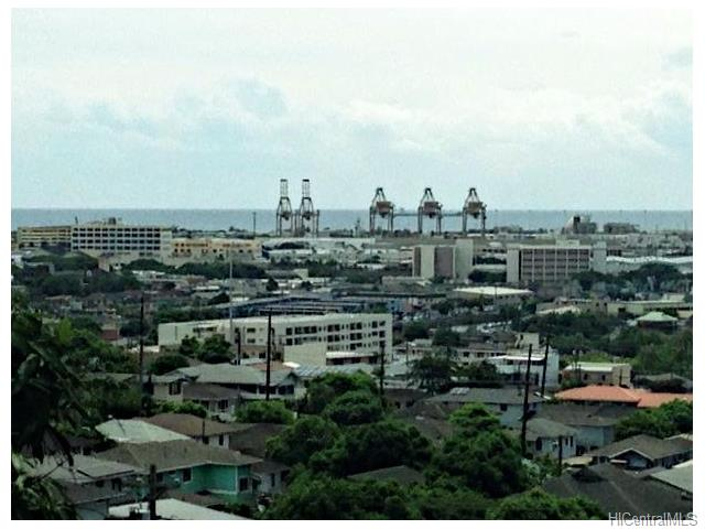 2036 Aupuni St Kamehameha Heights, Honolulu home - photo 1 of 3