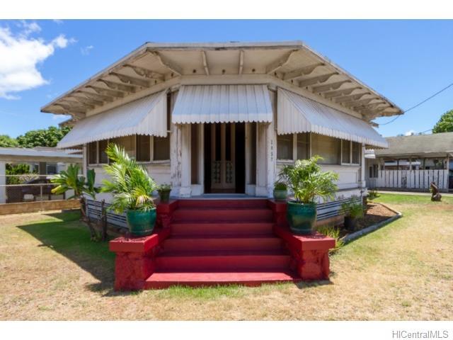 2057  Bingham St Moiliili, Honolulu home - photo 0 of 14
